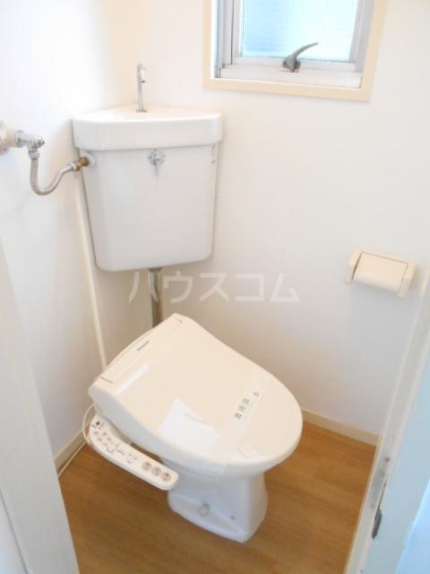 ユートピアハイツ 402号室のトイレ