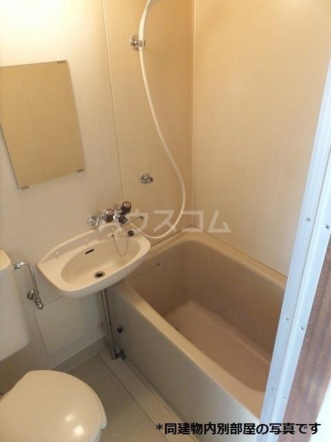 ドミール横山 02060号室の風呂