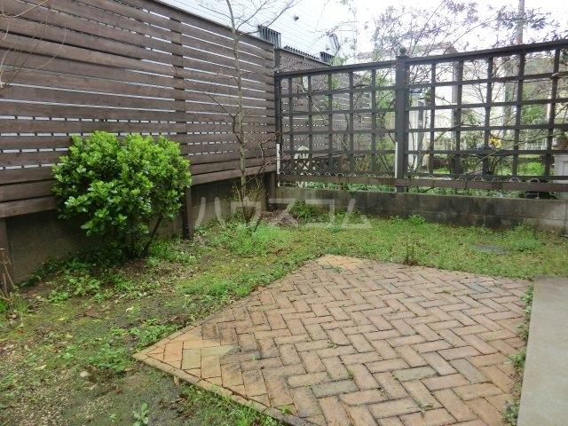 根木名パークサイドハウス 1号室の庭