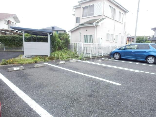 ベル・ヴィンテージ 203号室の駐車場