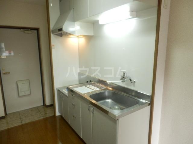 ベル・ヴィンテージ 203号室のキッチン