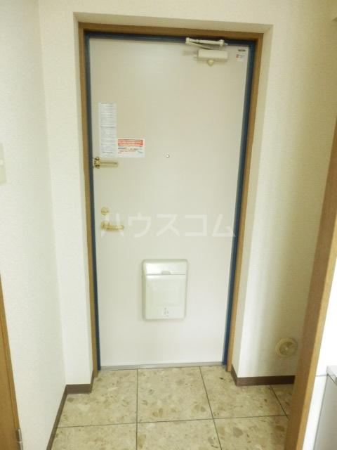 ベル・ヴィンテージ 203号室の玄関
