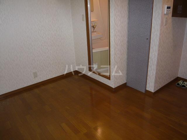 シェルコート井野 206号室の居室