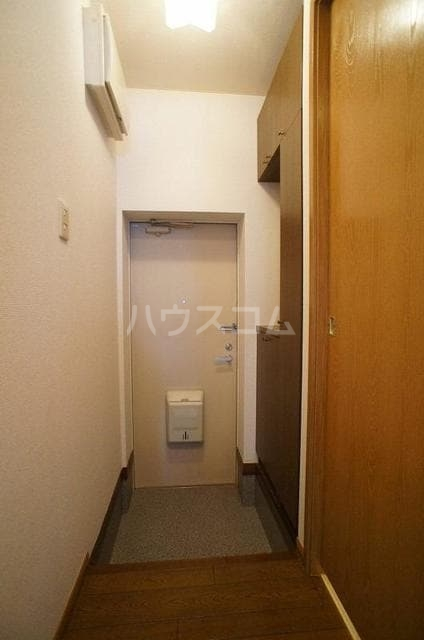 サニーハイツB 01020号室の玄関