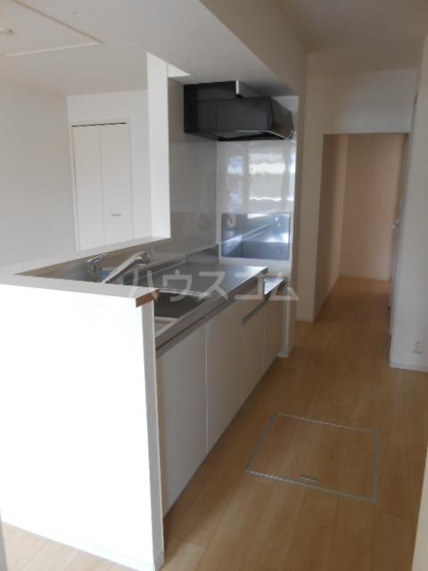 ウッドリバー 01010号室のキッチン