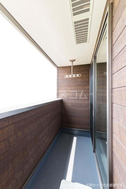 シャンドゥ マロン 02010号室のバルコニー