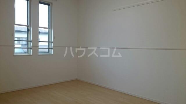ローズセレッソ B 02020号室の居室