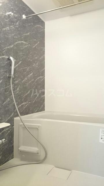 ローズセレッソ B 02020号室の風呂