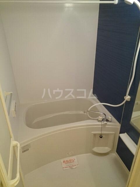 サンリットヒルズA 02010号室の風呂