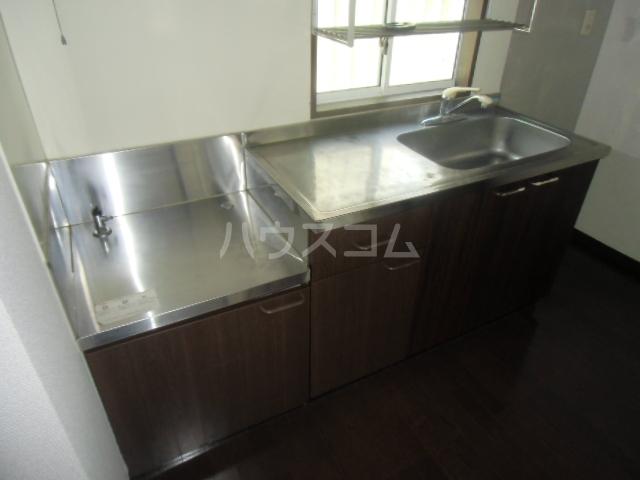カーサK Ⅲ 203号室のキッチン