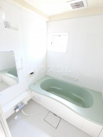 ウィル・ボナール A 102号室の風呂