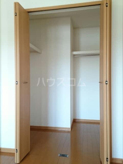 ラ・プラージュⅢ 02010号室の収納