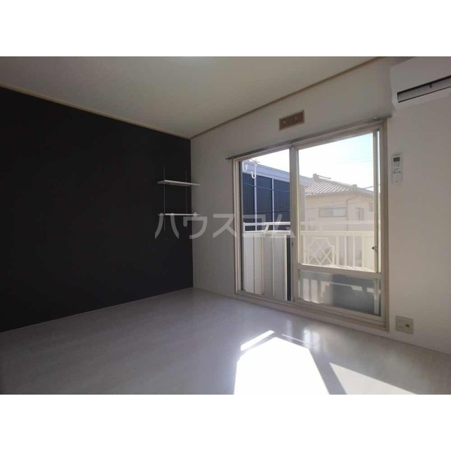 サンシティ江田A 205号室の玄関