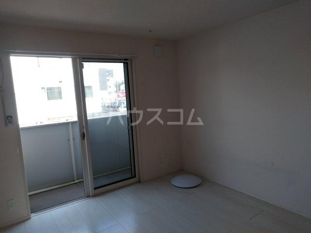 ロイヤルヒルズR 205号室のバルコニー