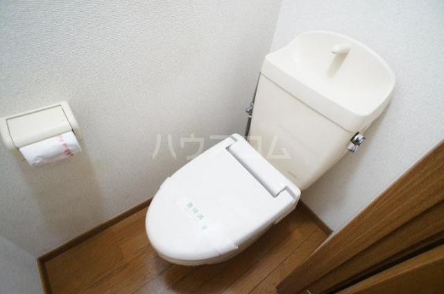 ドゥ・プランタンC 01010号室のトイレ