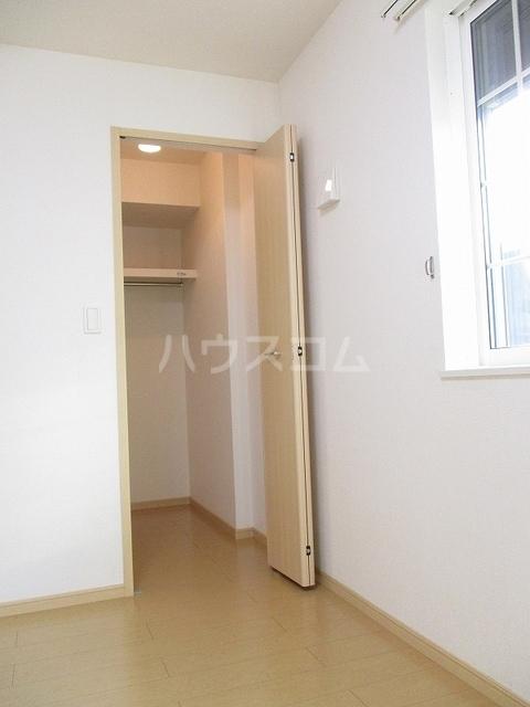 カーサアゼリア 01020号室の収納