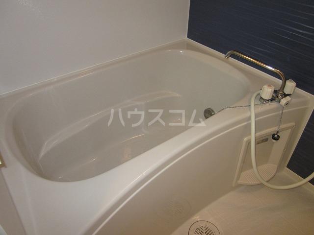 カーサアゼリア 01020号室の風呂