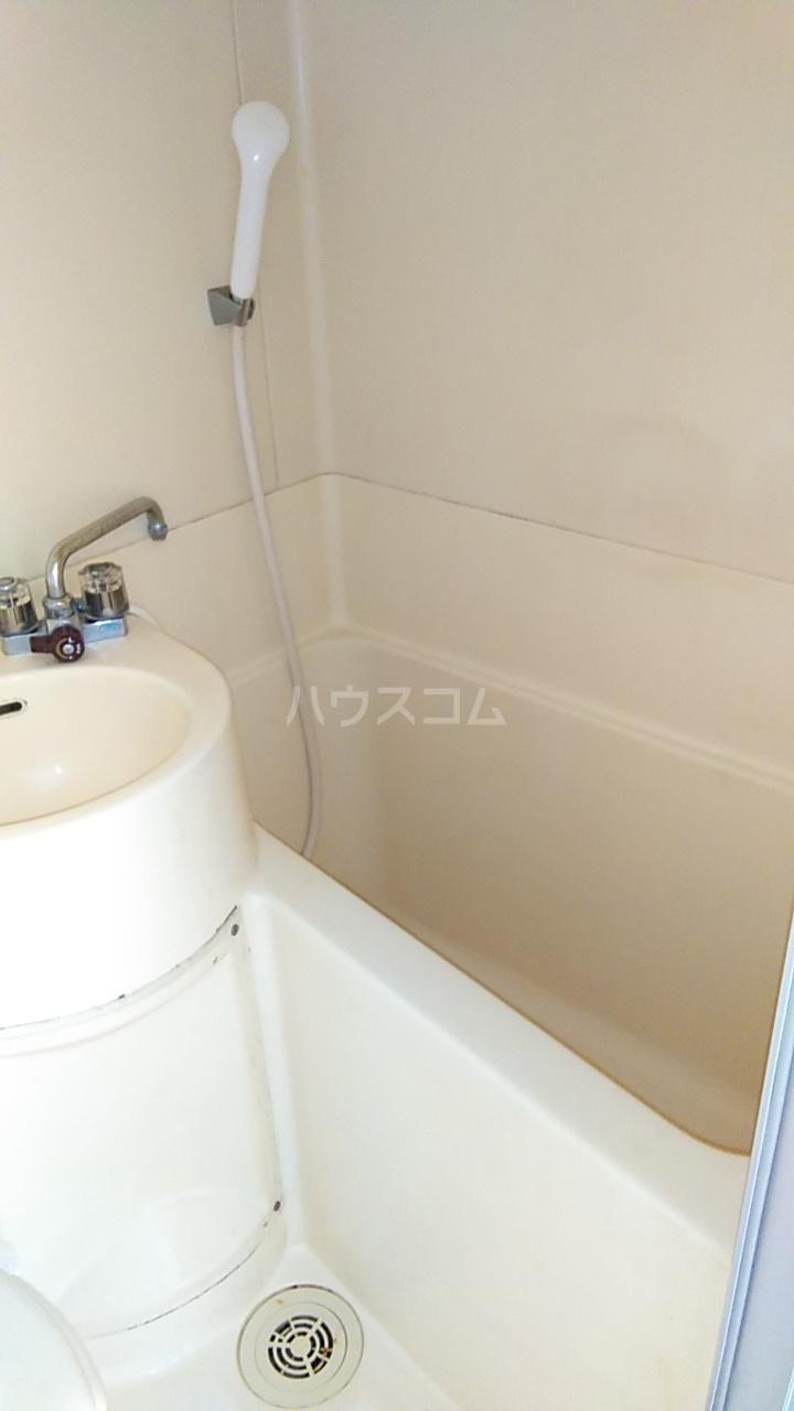 サザンノーブル上大岡 203号室の風呂