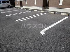 ミストラルB 02040号室の駐車場