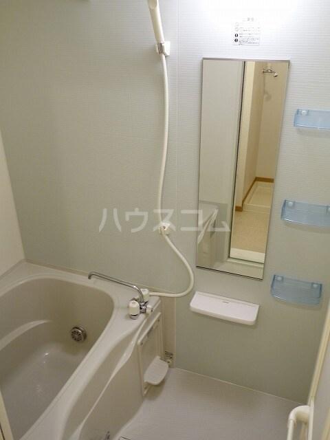 ミストラルB 02040号室の風呂