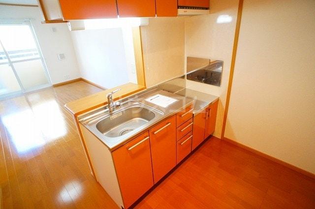 ヴァン・コリーヌB 01020号室のキッチン