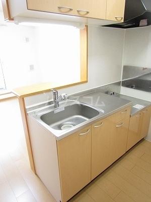 ジュネス幸 B 02050号室のキッチン