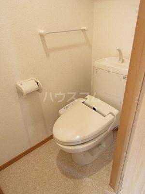 ジュネス幸 B 02050号室のトイレ