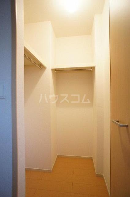 ポラリス2号館 01030号室の収納