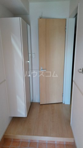 ハイツシェルティーA 01010号室の玄関