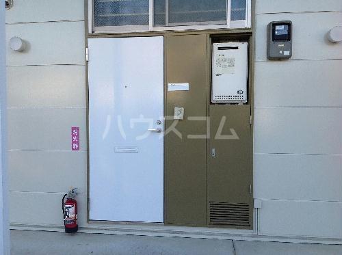レオパレスエターナルガーデン 109号室の玄関