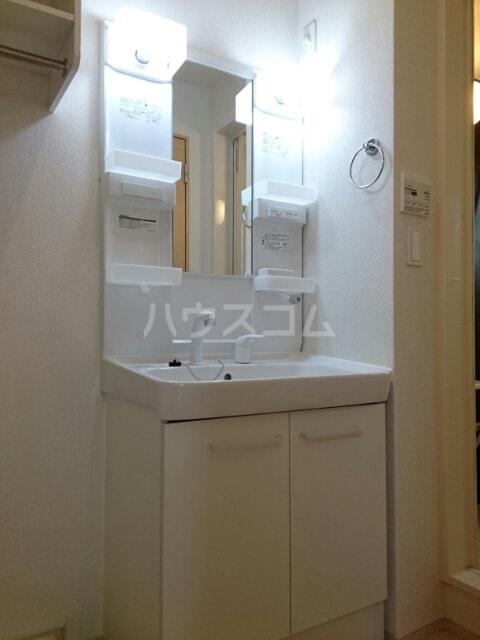 クレストⅠ 01020号室の洗面所