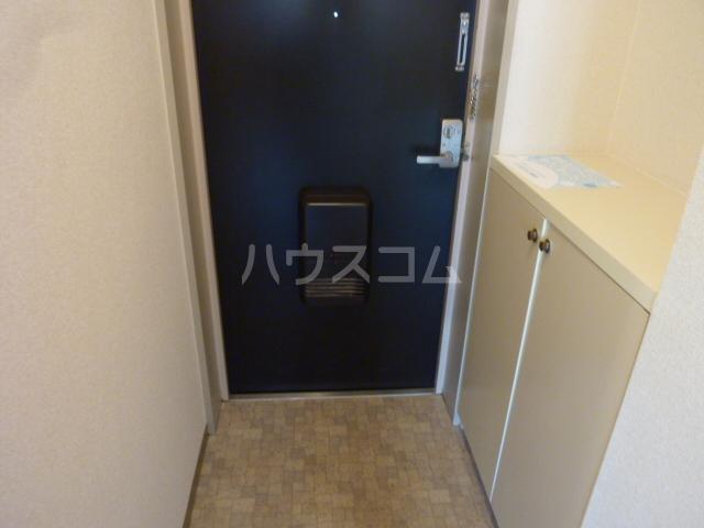 AIKAWAマンション 303号室の玄関