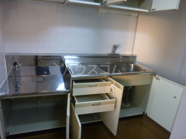 AIKAWAマンション 303号室のキッチン