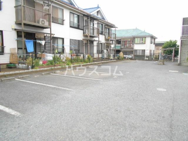 AIKAWAマンション 303号室の駐車場