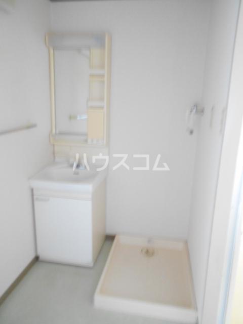 AIKAWAマンション 303号室の洗面所