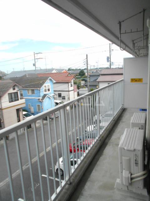 AIKAWAマンション 303号室のバルコニー