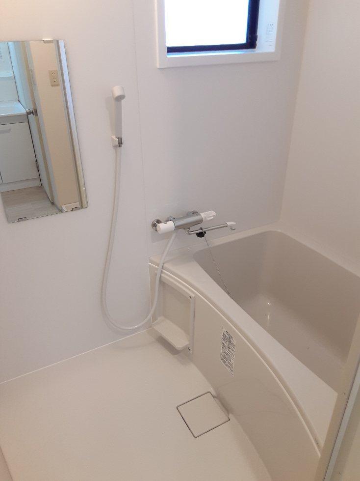 ドゥセジュール カワイ 101号室のトイレ
