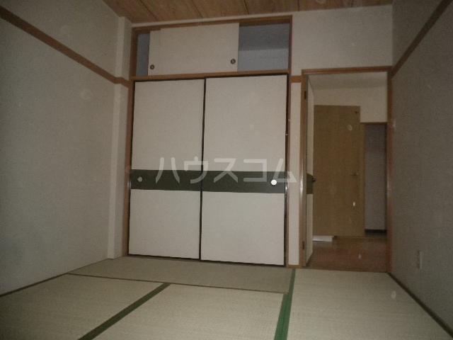 エレガンス小川 305号室の居室