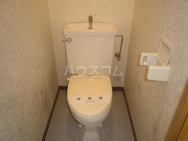 エレガンス小川 305号室のトイレ