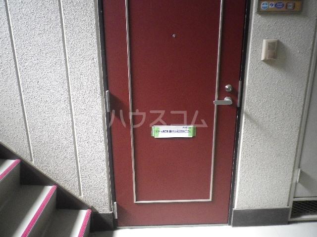 エレガンス小川 305号室の玄関