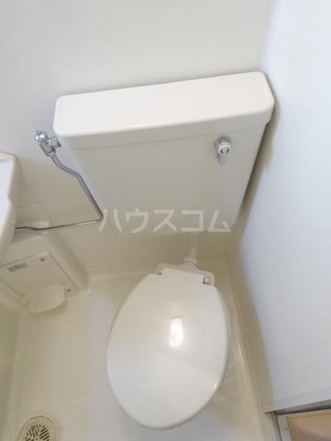 SEBOSEBO船橋A棟 A-202号室のトイレ