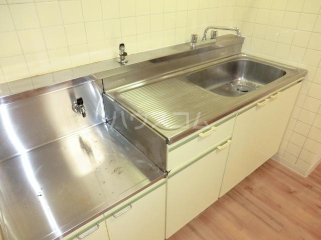 フォーレストマンション 203号室のキッチン