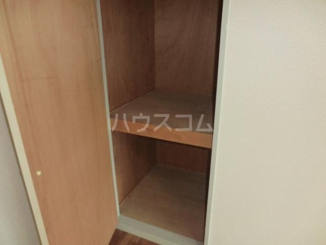 フォーレストマンション 203号室の収納
