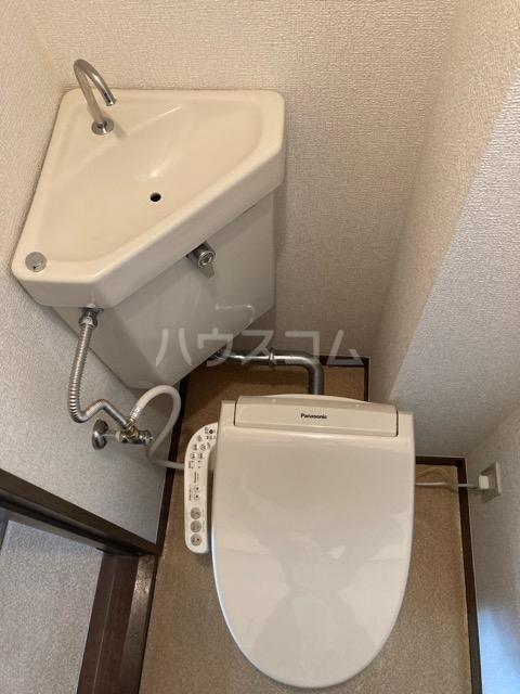 メゾンヤマジュ 101号室の洗面所