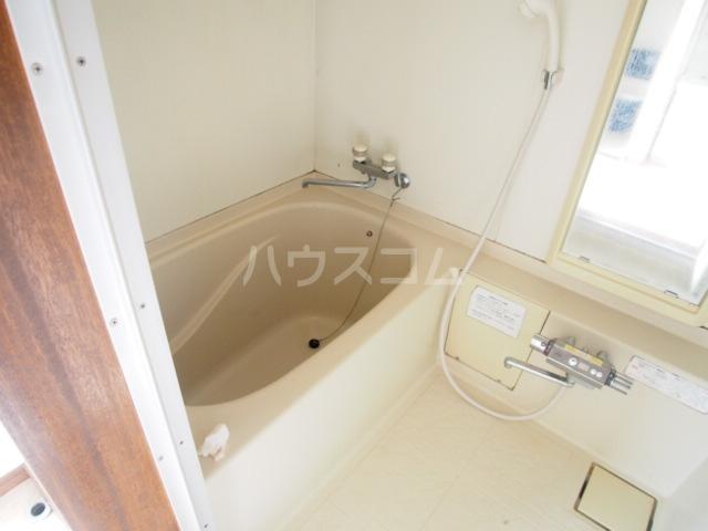 マルマツハイツ 201号室の風呂