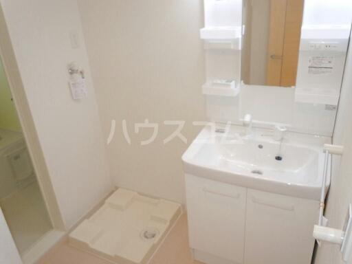 サンリットガーデンM 02010号室の洗面所