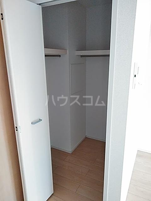 サンライズ・アベニューⅢ 02010号室の収納