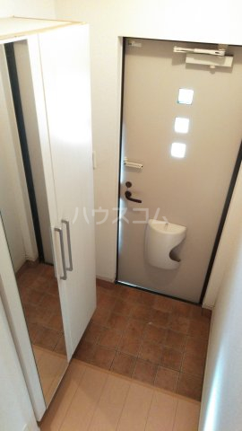 ヒルクレスト 02040号室の玄関