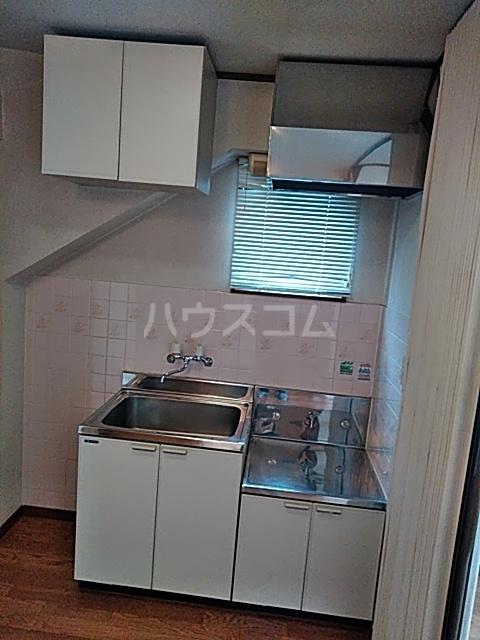 サンハイム中島 301号室のキッチン