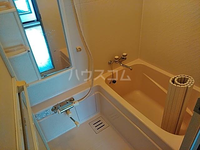サンハイム中島 301号室の風呂
